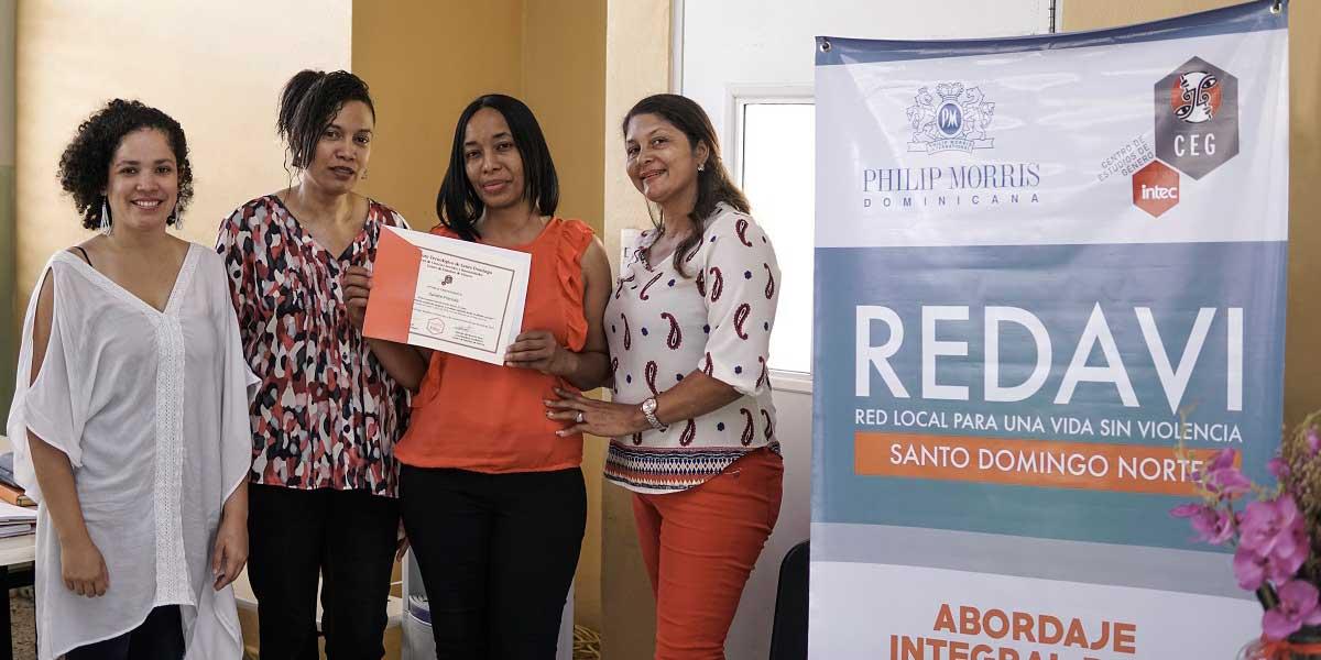 CEG-INTEC certifica 26 maestras en erradicación de la violencia y abuso infantil